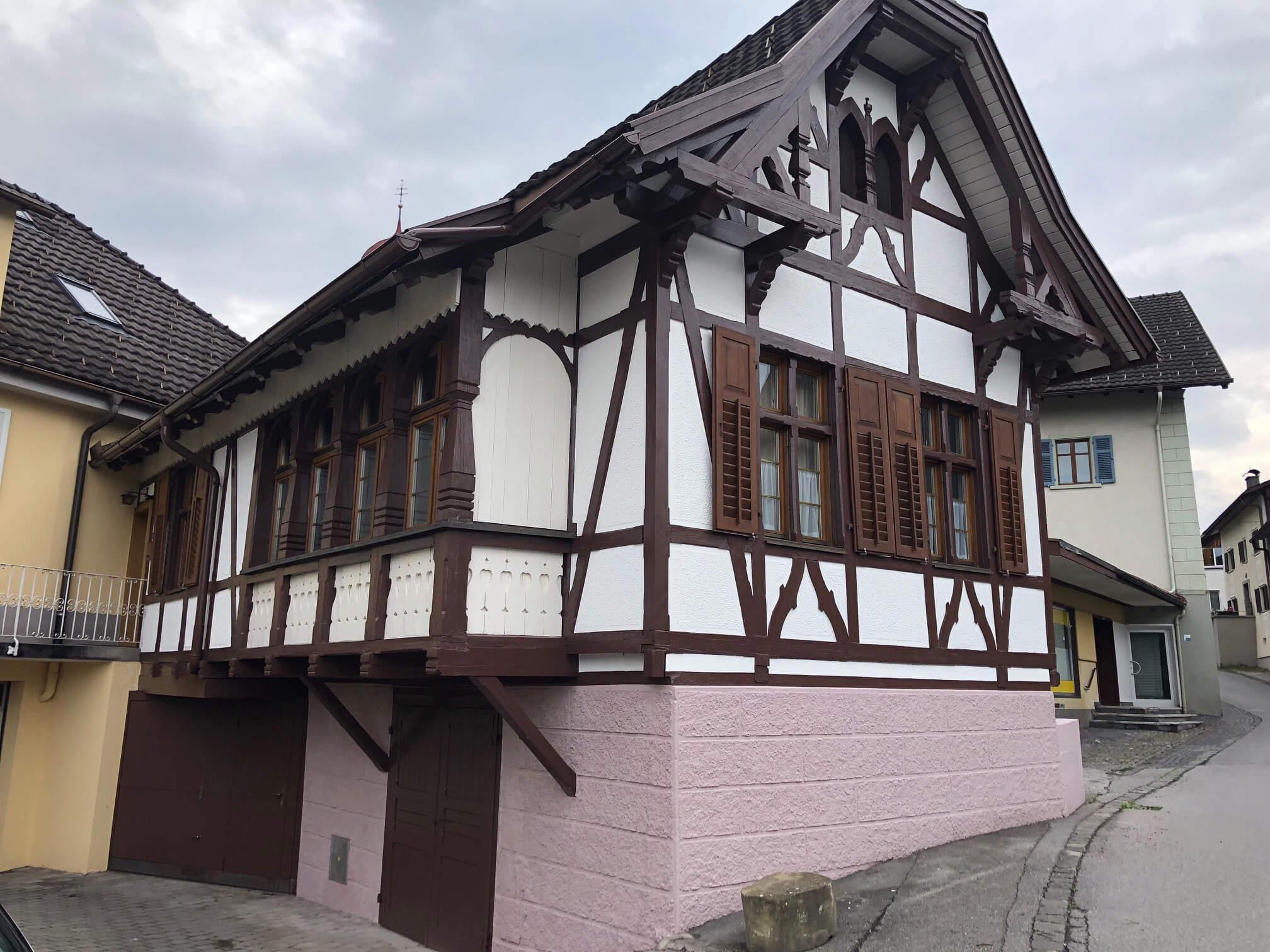 Maler-Werner-Juen-Malermeisterbetrieb-Vorarlberg-Fassadenanstrich